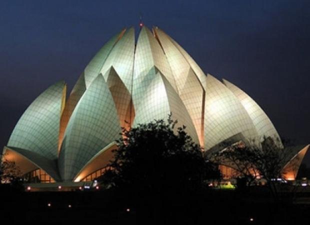 Viajes Viramundo Nueva Delhi - Silhouette de Celebrity Cruise